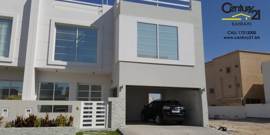 BRAND NEW UNFURNISHED 4 BR VILLA