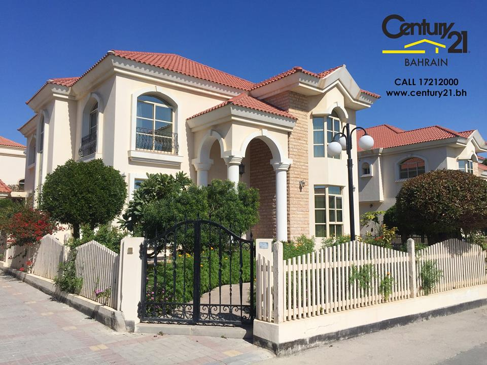 SAAR : SPACIOUS 5 BEDROOM SEMI FURNISHED VILLA FOR RENT
