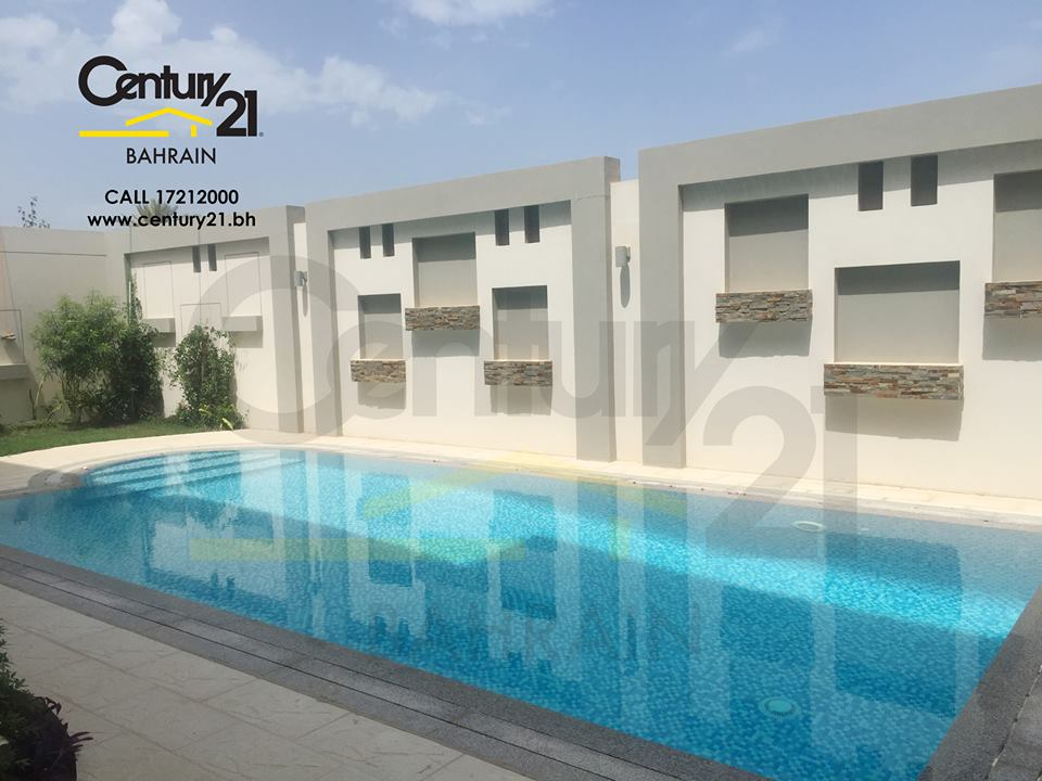 LUXURY 5 BEDROOM VILLAS IN PRIVATE COMPOUND IN JANABIYAH