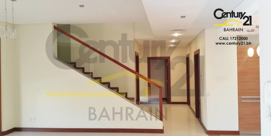 RIFFA VIEWS : SEMI FURNISHED 5 BEDROOM VILLA FOR SALE