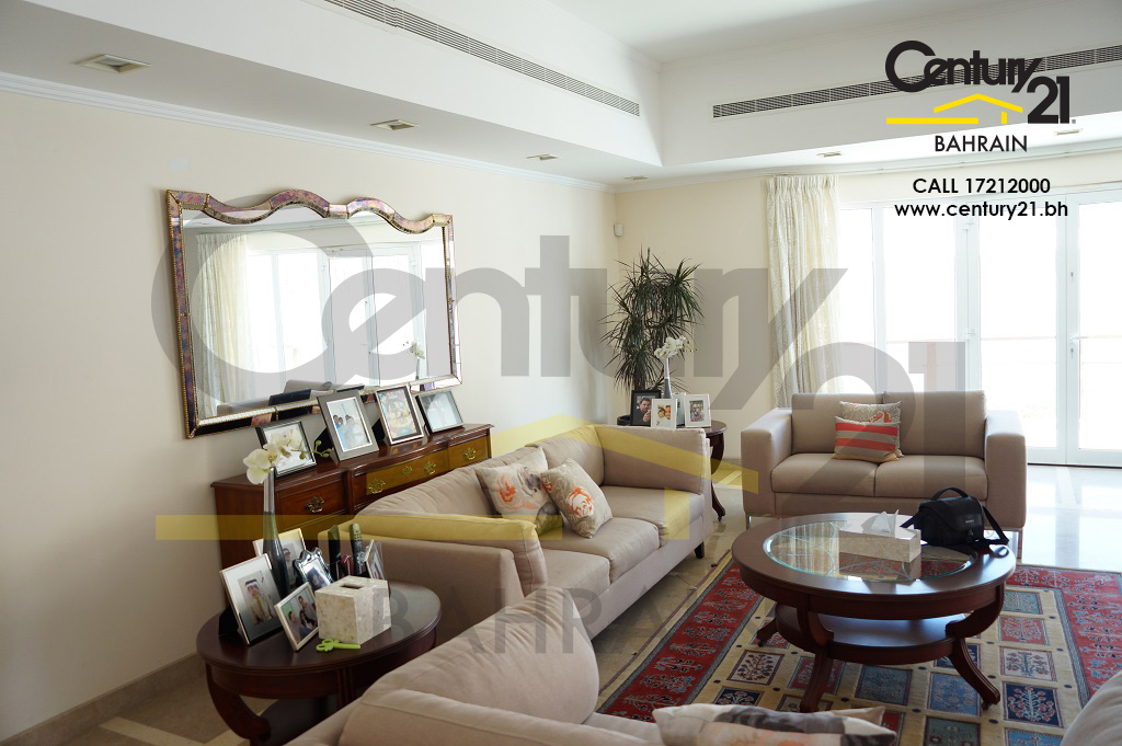 JANABIYAH:5 BEDROOM VILLA FOR RENT WITH POOL