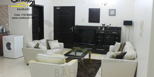 FULLY FURNISHED 3 BEDROOM APARTMENT IN BUSAITEEN FOR BD 600 INCLUSIVE!! FR604