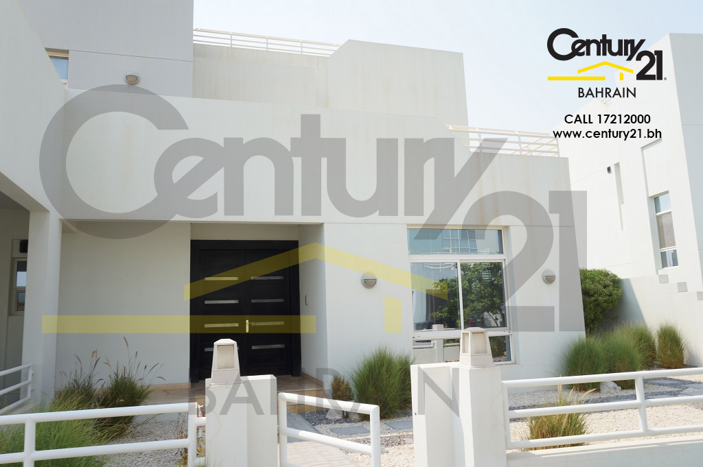 Spacious luxury 4 bedroom standalone villa for sale in Riffa views VS455