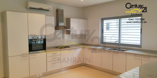 HAMAD TOWN : UNFURNISHED 4 BEDROOM VILLA FOR RENT VR465