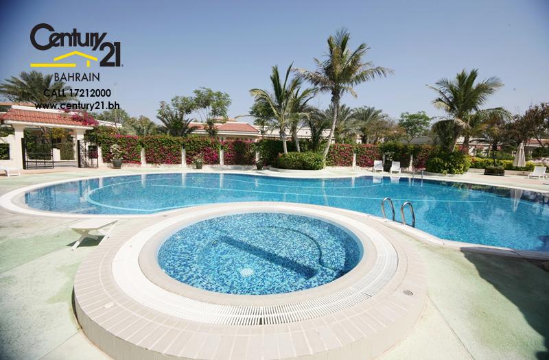 3 and 5 bedroom villas for rent in Saar VR700