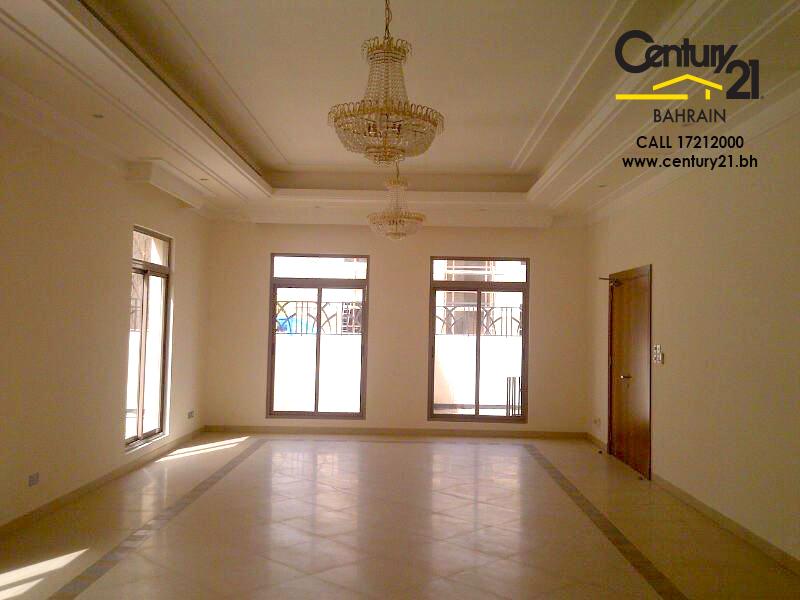 5 bedrom villa for rent in Saar VR702