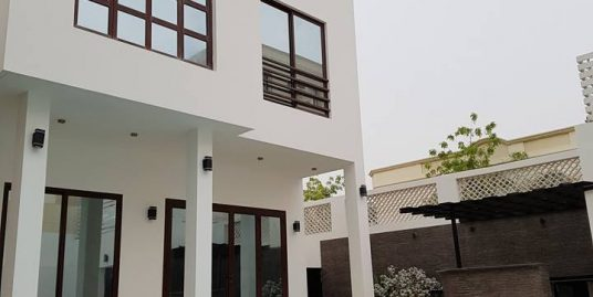 SEMI FURNISHED LUXURY STAND-ALONE VILLA IN JANABIYAH FOR BD 220,000! VS468