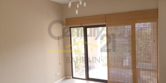 3 bedroom semi furnished villa for rent in Amwaj