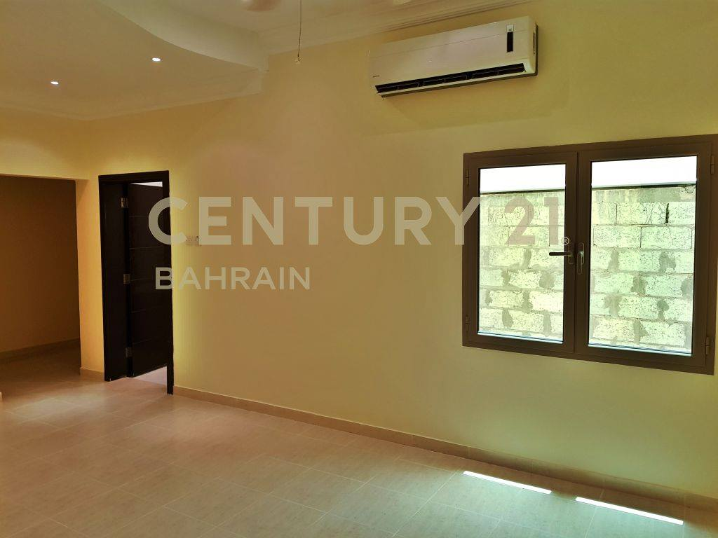 SEMI FURNISHED 3 BEDROOM APARTMENT IN BUSAITEEN FOR RENT