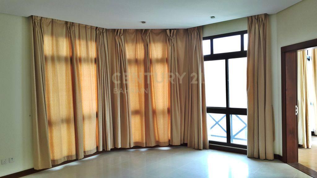 SEMI FURNISHED 5 BEDROOM VILLA IN RIFFA VIEWS 1117