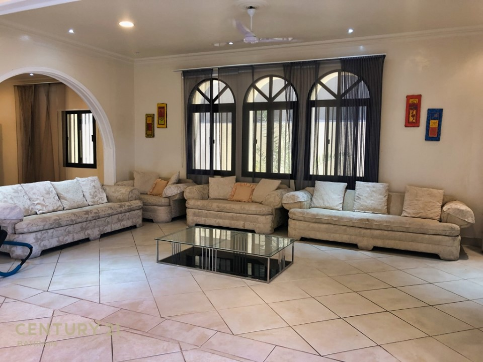UNFURNISHED 4 BEDROOM VILLA IN HAMAD TOWN