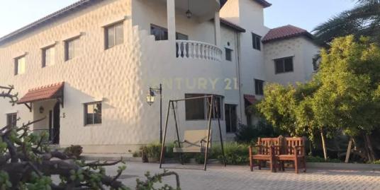 Semi furnished 5 bedroom villas